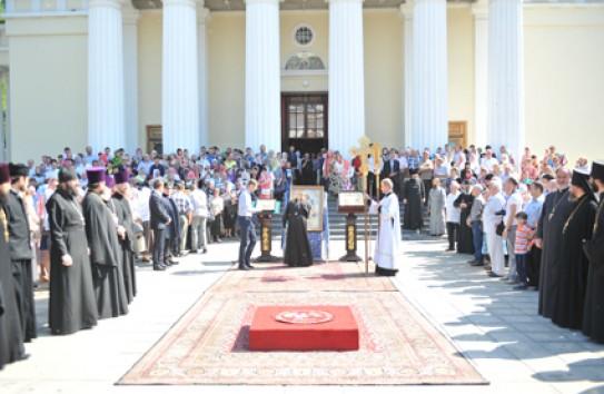 В молдове выступают против мусульман и секс меньшинств