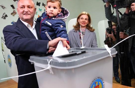 Инаугурация избранного президента Молдовы Игоря Додона состоится 23декабря