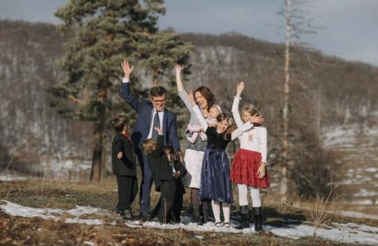 Петре Костя рассказал избирателям о том, как в Норвегии у румынской семьи отобрали пятерых детей