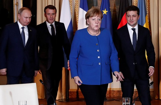 «Parlamentní listy»: Крым никого не интересует. Макрон и Меркель умывают руки