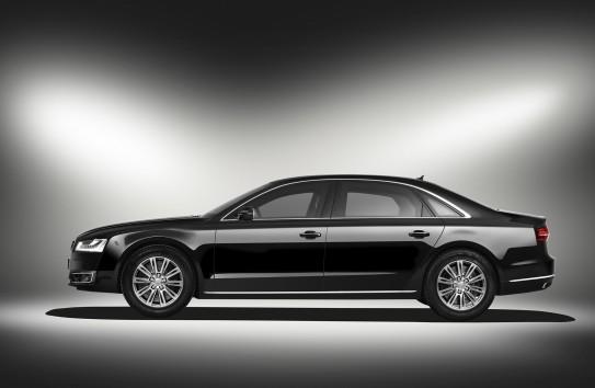 """""""Avia Invest"""" ничего не вкладывала в аэрпорт, зато потратила полмиллиона евро на бронированный Audi"""
