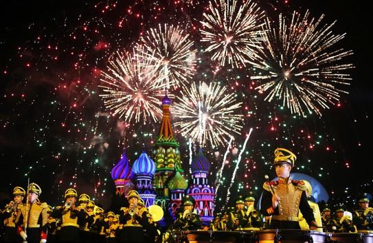 Фейерверки в День Победы пройдут на 31 площадке Москвы